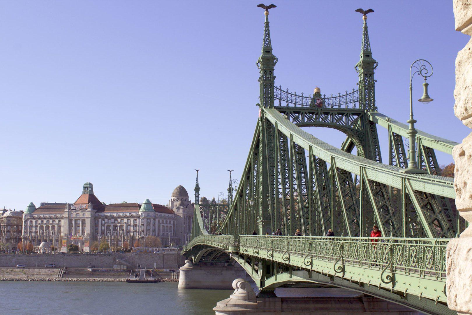 Foto del green bridge di Budapest