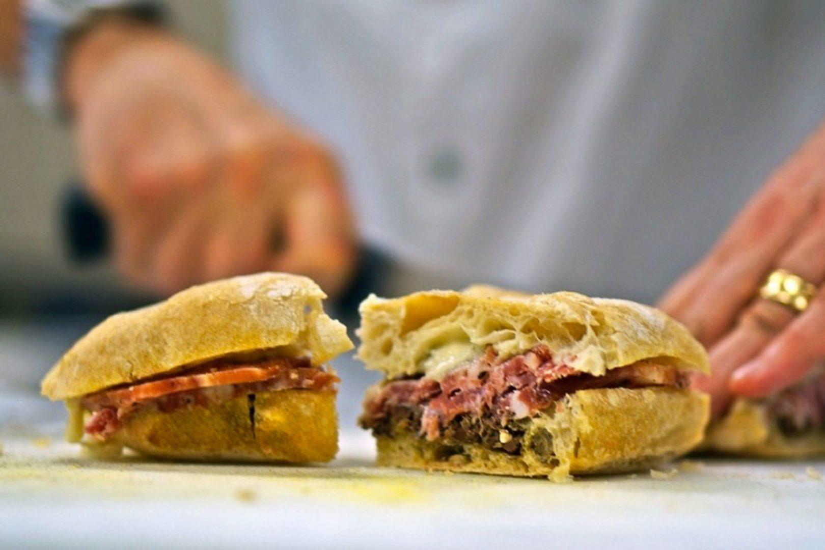 mangiare e bere bene con alessandro frassica a firenze - panino artigianale