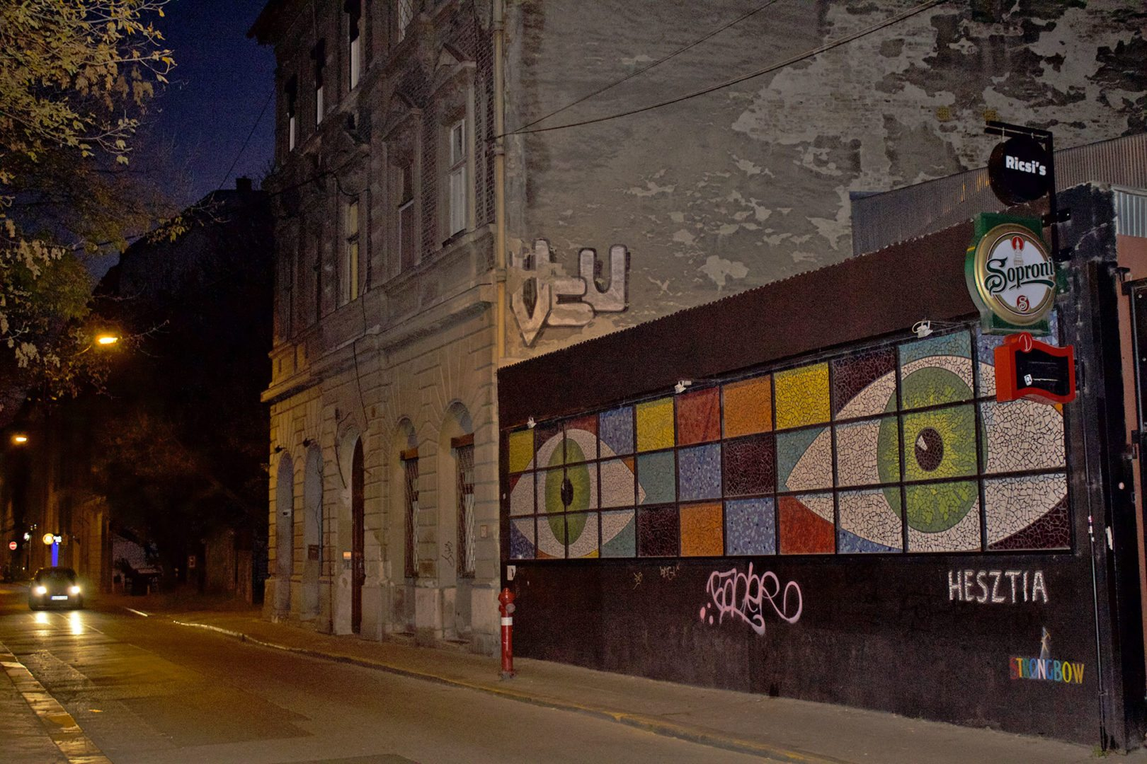 Budapest E Street Art