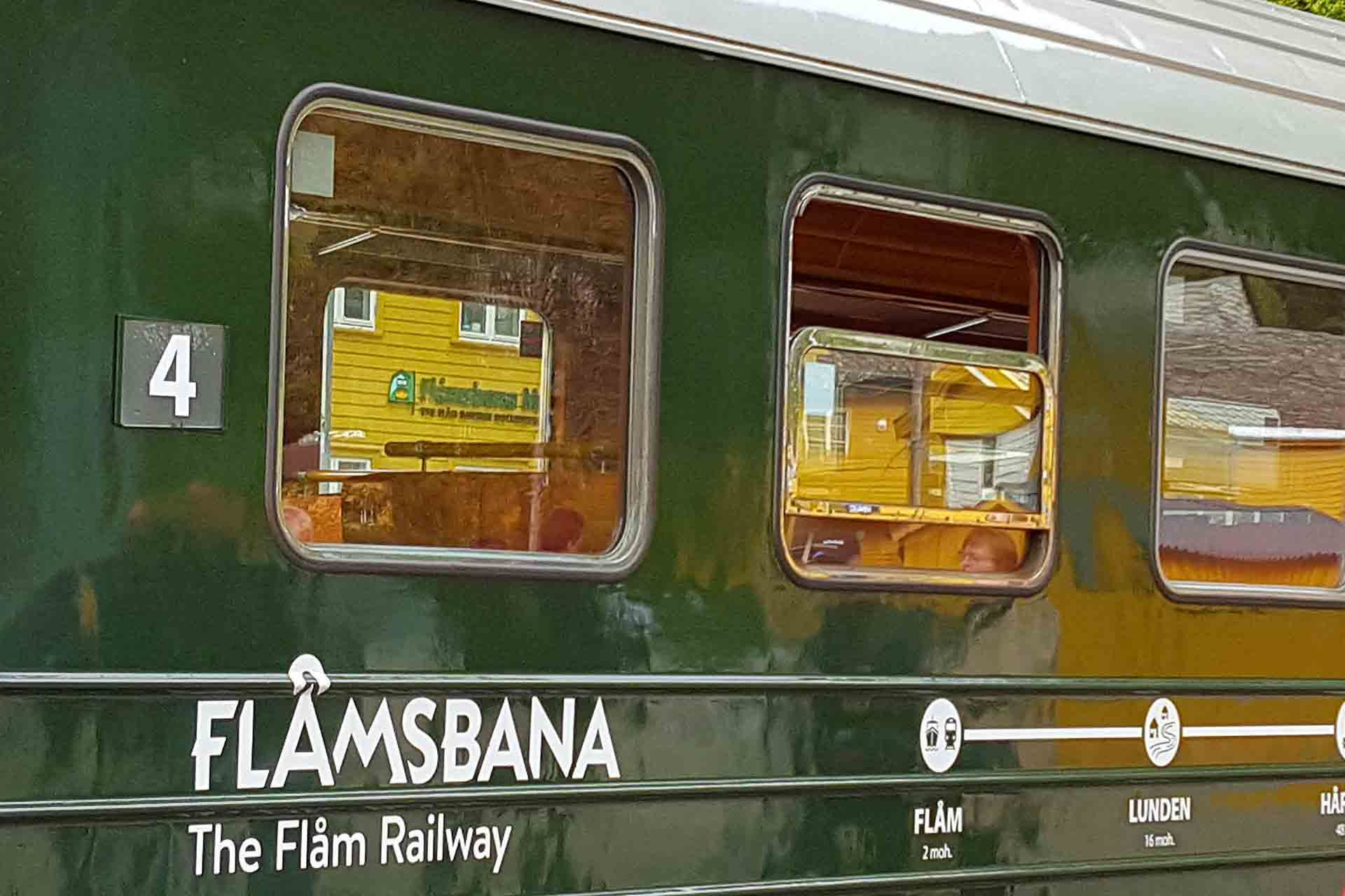 in treno a bordo della Flamsbana
