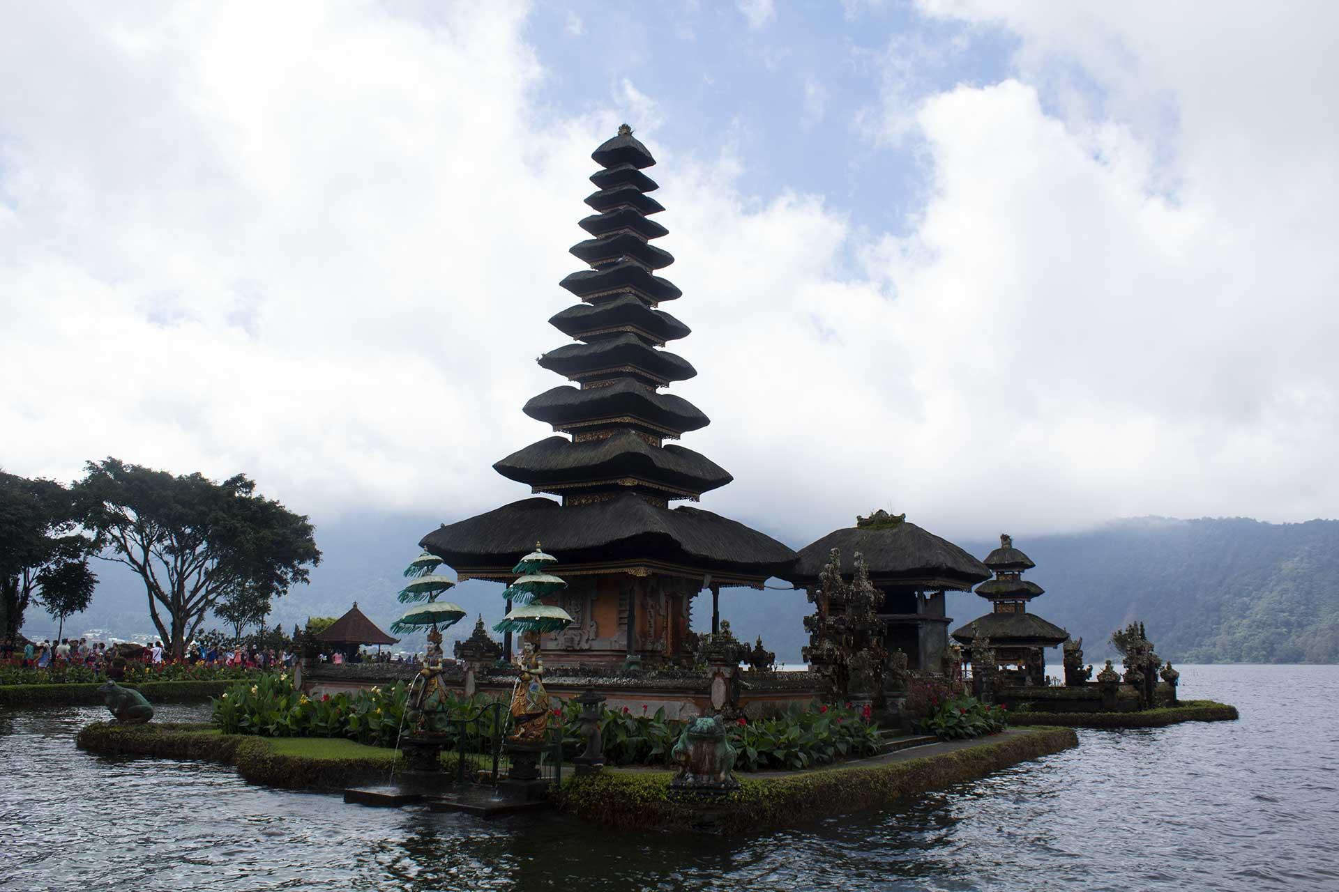 tempio sul mare a Bali