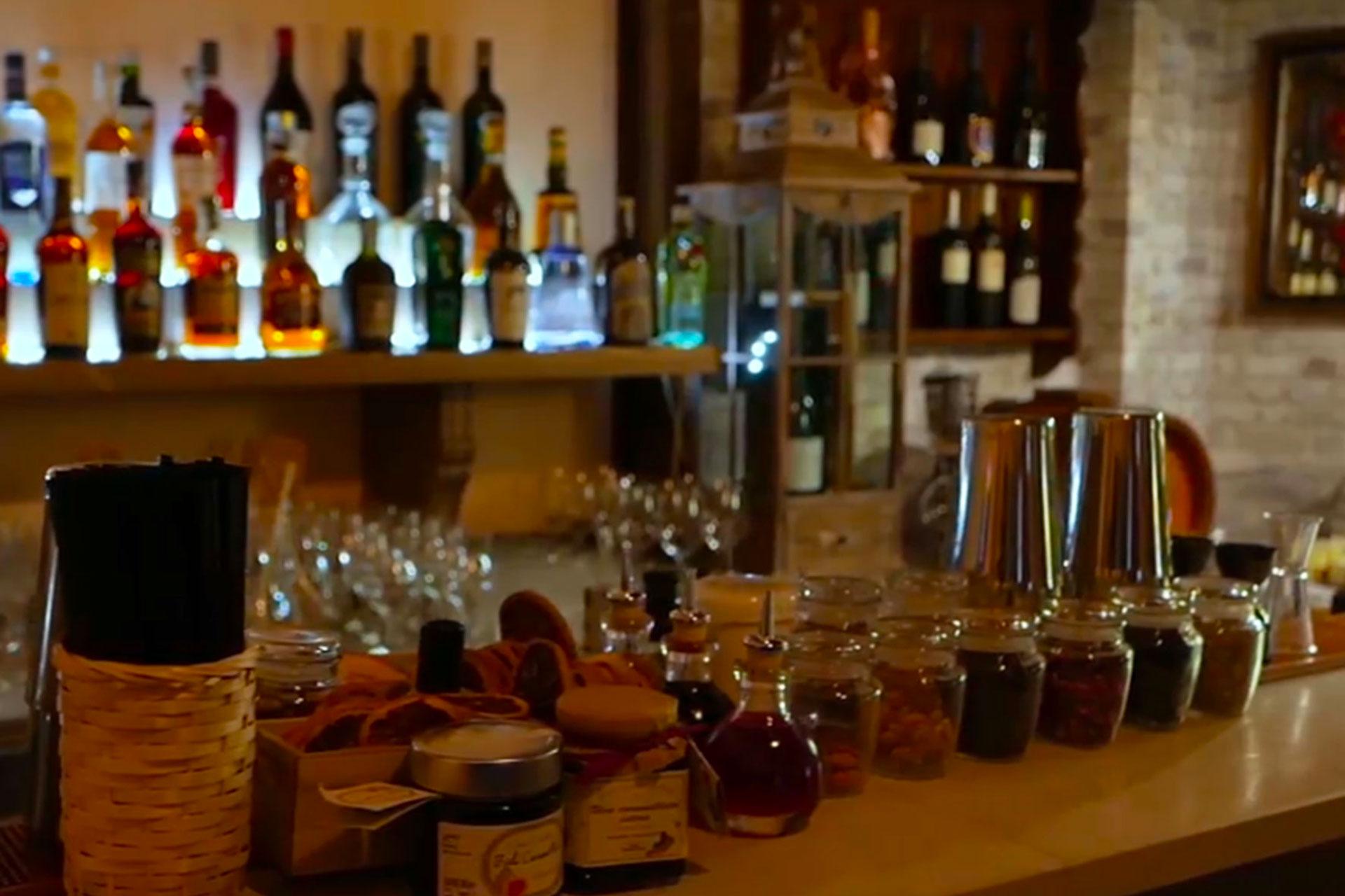 bologna: cocktail bar