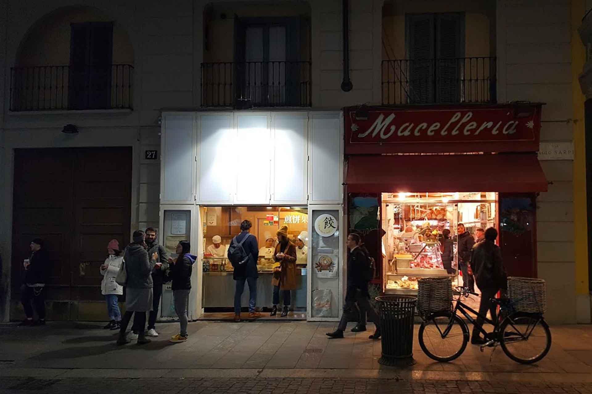 Milano, Via Sarpi: 12 Indirizzi Food E Drink (+ 2 Extra Tips)