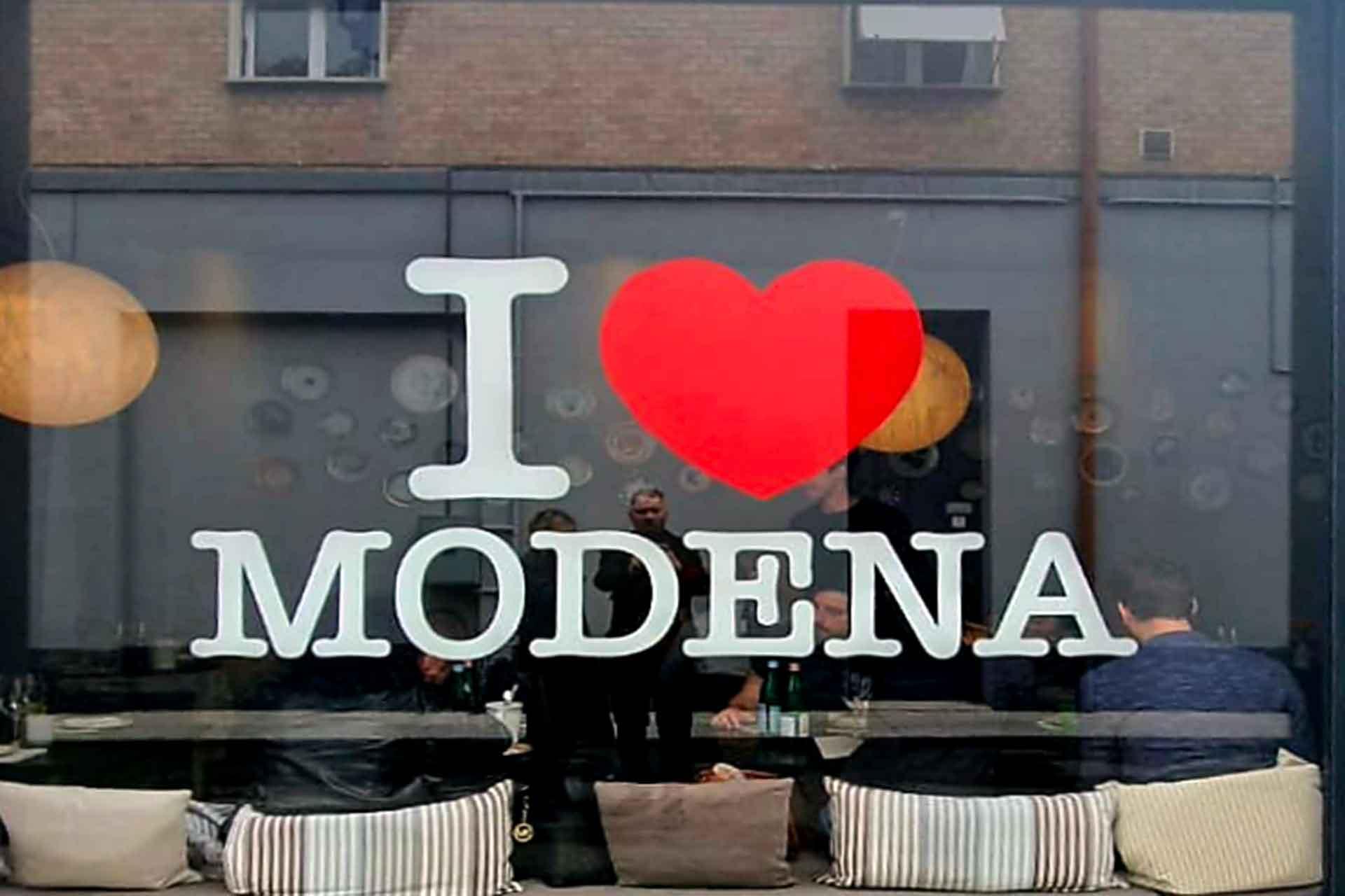 Modena In Due Parole: Aceto Balsamico E Bottura